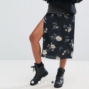 Pull&Bear Floral Skirt